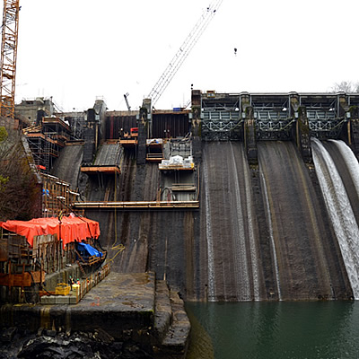 A view of the front of the dam and the spillway gates removed.