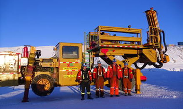 Glencore First Mobile equipment mechanics with their reconditioned Bolter.