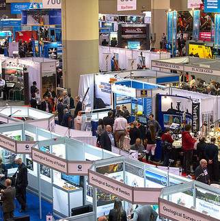 A photo of some of the 1400 exhibitor booths at the PDAC 2105 conference.