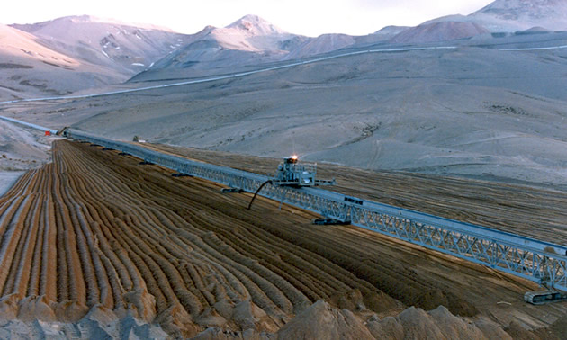 The mobile stacker depositing filtered tailings at the La Coipa mine in Chile.