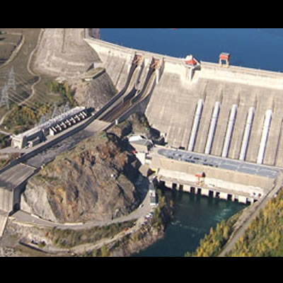 Aerial view of the Revelstoke Dam.